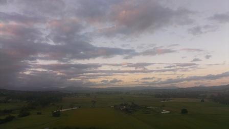 離陸後直ぐはまだ日の出前