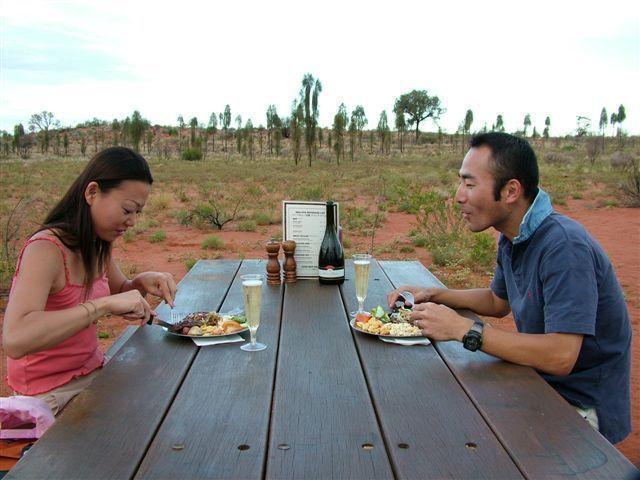 大自然の中で食事を楽しもう!