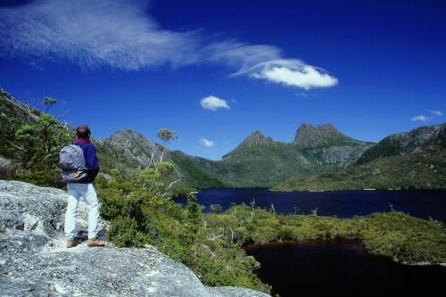 ダブ湖周辺を散策
