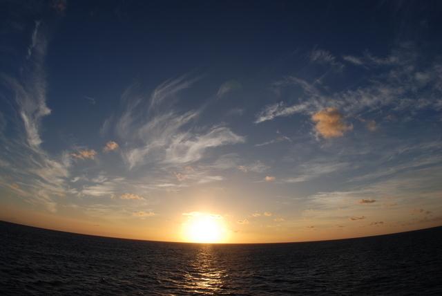船上泊くならではの風景が見れますよ