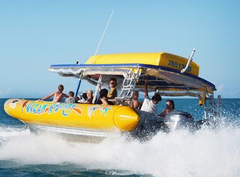 エキサイティングなパワーボート