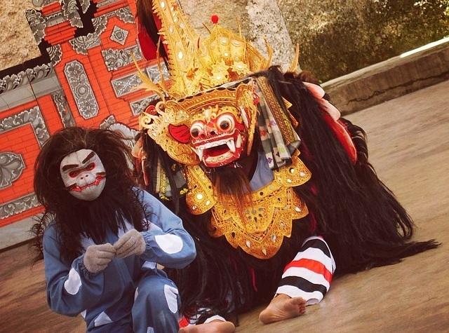 伝統芸能バロンダンス