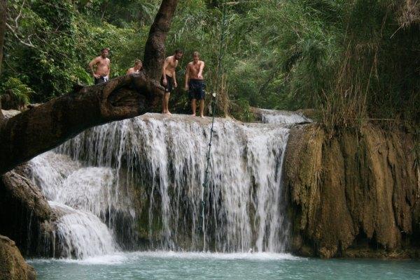 滝壺プール
