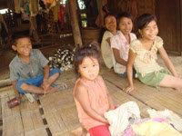 モン族の子供たち