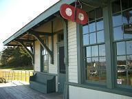 島最東部にあるエルマイラ旧駅舎