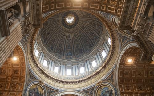 サンピエトロ寺院の天窓