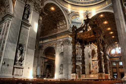 サンピエトロ寺院の内部
