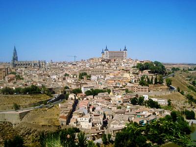 展望台から見渡すトレドの旧市街