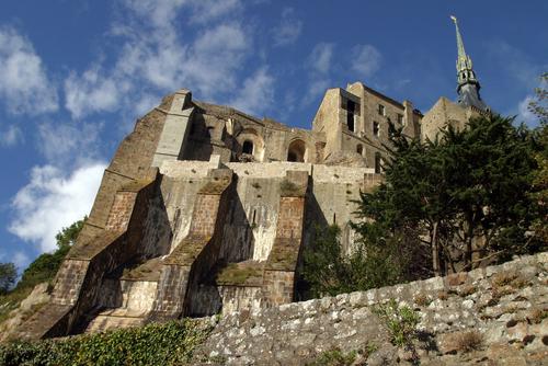 中世から多くの巡礼者が訪れた聖地