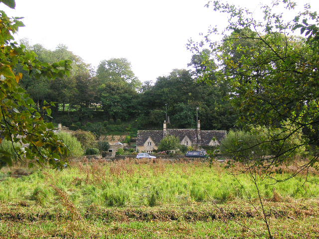 最もイギリスらしく美しい村々を散策