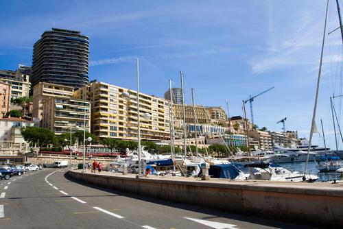 モナコではF1コースを走ります