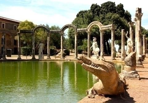 エジプト、ギリシャ等を模した庭園も