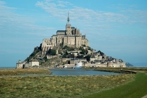 フランスで最も人気がある観光地といわれるモンサンミシェル
