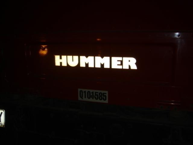 いわずと知れた名車ハマー4WD