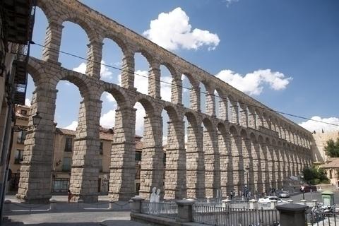 ローマ人が築いた巨大な水道橋