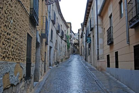 カスティーリャ王国の中心地として栄えたセゴビア旧市街