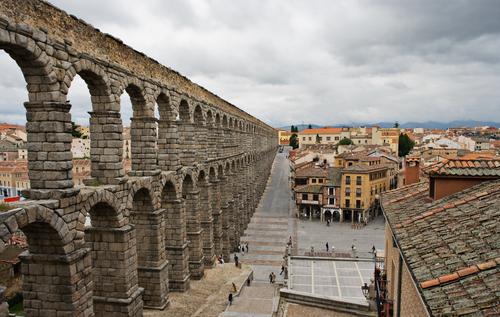 紀元1世紀前後に建造されたローマ水道橋
