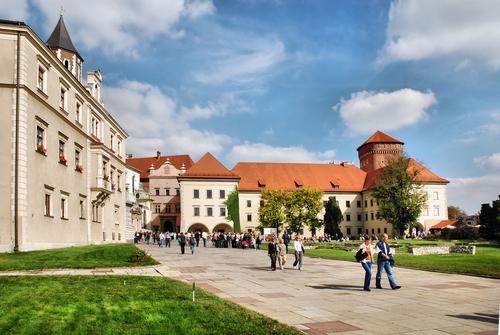 クラクフ ヴァヴェル城の中庭
