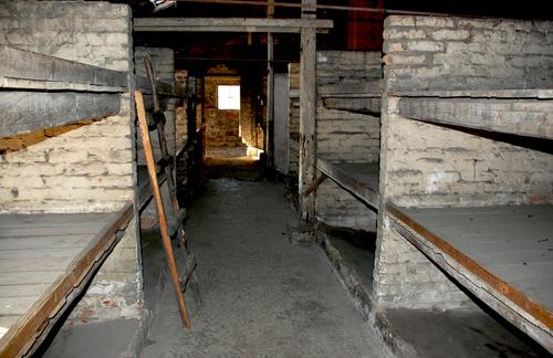 アウシュビッツ強制収容所 ベッドの様子