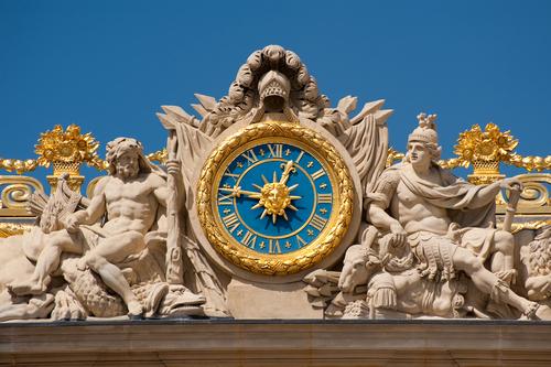 ベルサイユ宮殿入り口の時計