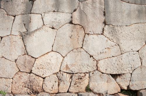 デルフィ遺跡の石垣
