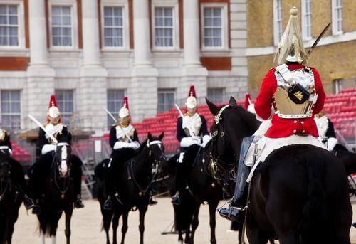 バッキンガム宮殿馬に乗った騎兵