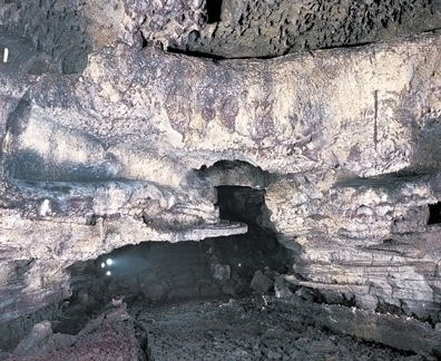 マンジャン洞窟