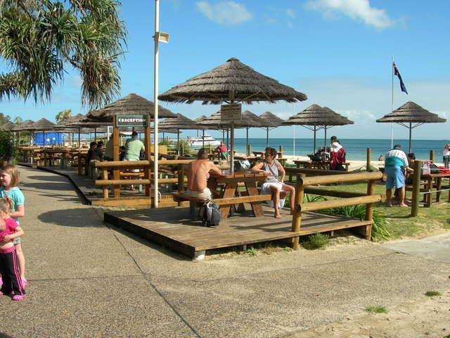 タンガルーマリゾートのビーチバー