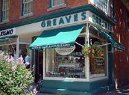 ナイアガラオンザレイクには小さな可愛いお店がいっぱいだよ。(ナイアガラ観光局写真提供)