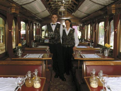パッフィンビリー列車内はこんなに素敵!!